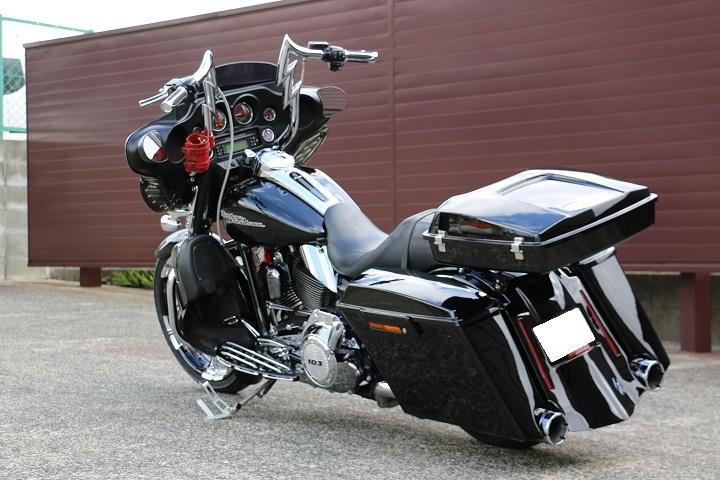 山口県下関市のCRAIZE MOTORCYCLE (クレイズモーターサイクル) のハーレー(Harley-Davidson)カスタム2012年式FLHXイメージ07