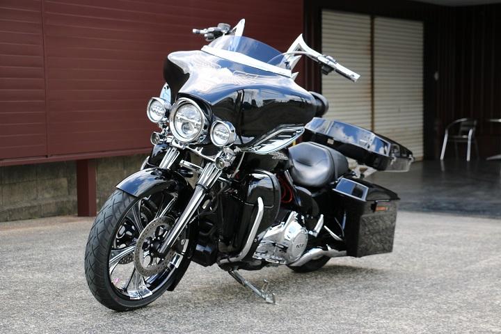 山口県下関市のCRAIZE MOTORCYCLE (クレイズモーターサイクル) のハーレー(Harley-Davidson)カスタム2012年式FLHXイメージ06
