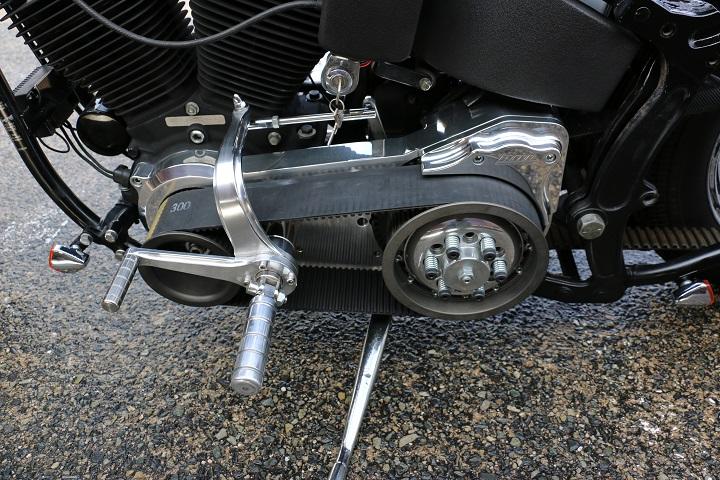 山口県下関市のCRAIZE MOTORCYCLE (クレイズモーターサイクル) のハーレー(Harley-Davidson)カスタム1998年式FXSTBイメージ05