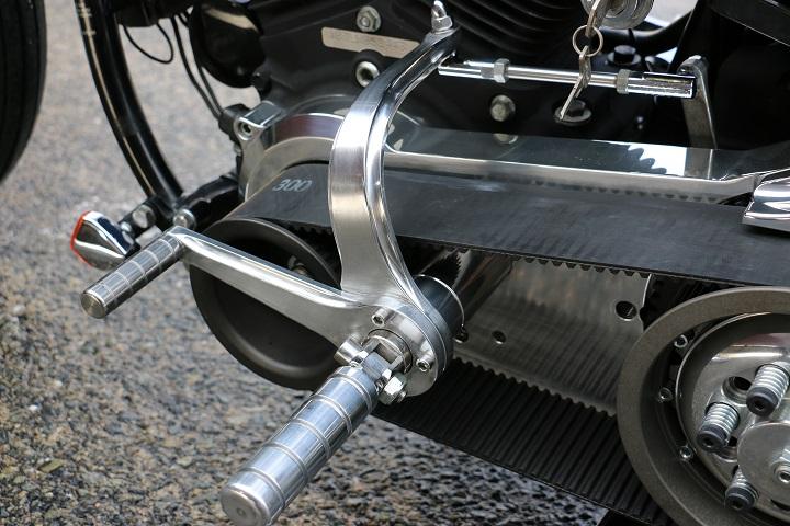 山口県下関市のCRAIZE MOTORCYCLE (クレイズモーターサイクル) のハーレー(Harley-Davidson)カスタム1998年式FXSTBイメージ06